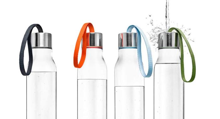 Stylowa butelka na wodę z uchwytem Eva Solo