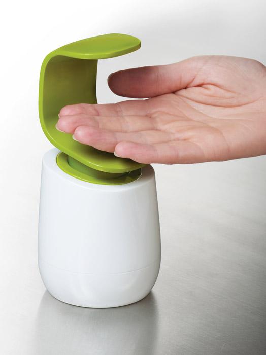 Higieniczny dozownik do mydła C-Pump od Joseph Joseph