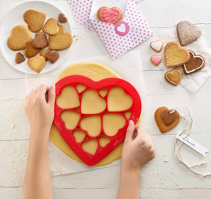 Foremka do ciastek serca Puzzle Hearts od Lekue