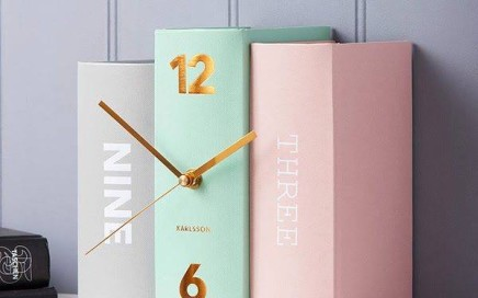 zegar książki pasteowe Karlsson
