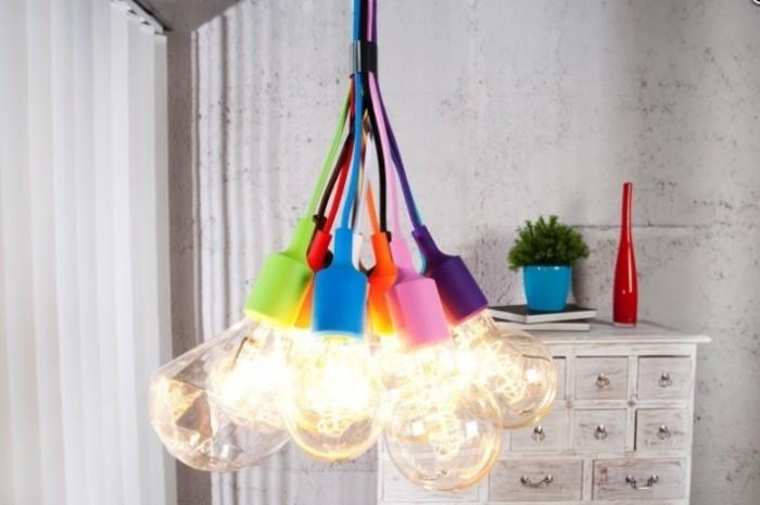Tęczowa lampa żarówki Colore od Interior.