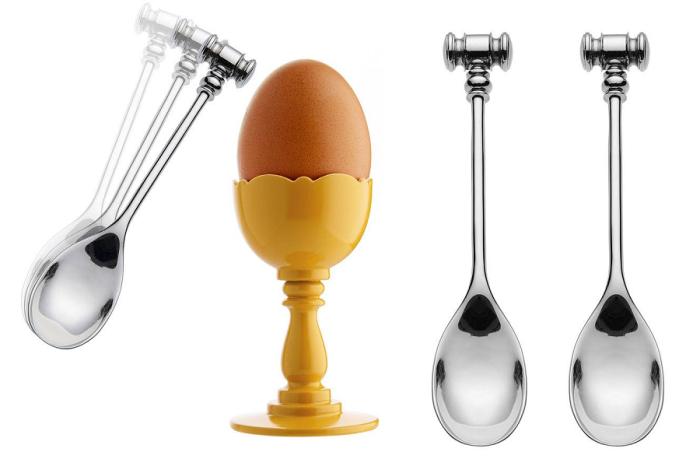Łyżeczka z młotkiem i kieliszek do jajka z kolekcji Dressed od Alessi
