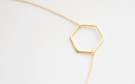 minimalistyczny naszyjnik pozłącany lebohobleu sześciokąt