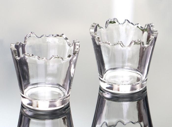 Poszczerbione szklanki do drinków