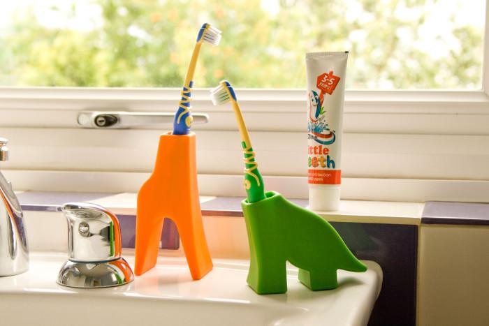 Stojaki na szczoteczki dla dzieci, czyli łazienkowe zwierzaki od J-me