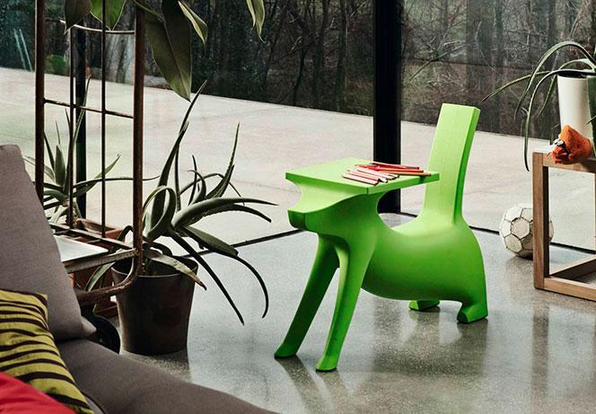 Krzesełko ze stolikiem dla dziecka Le Chien Savant by PHILIPPE STARCK
