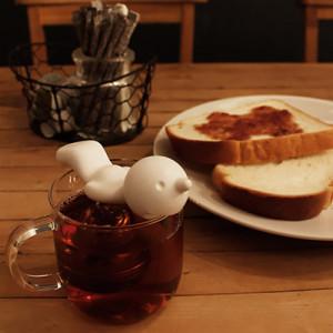 Zabawny zaparzacz do herbaty tonący Mr P by Propaganda