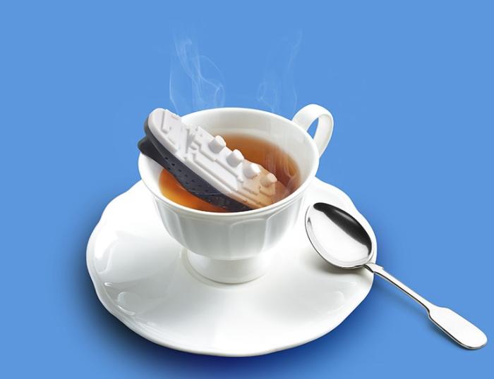 Zaparzacz do herbaty statek Teatanic od Fred & Friends