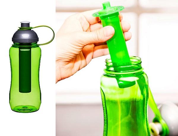 Butelka na wodę z wkładem chłodzącym marki Sagaform