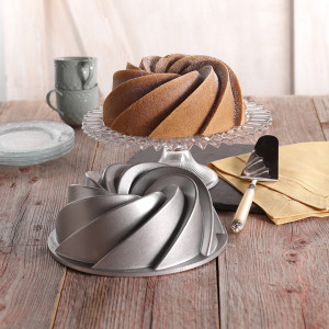 Ciekawa forma do ciasta Heritage od Nordic Ware