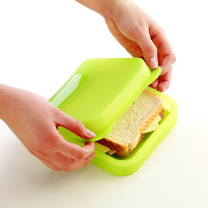 kwadratowe etui na kanapkę Lekue