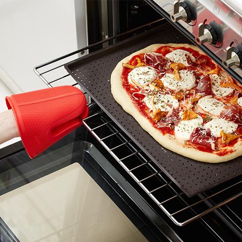Silikonowa mata do wyrobu i pieczenia pizzy od Lekue