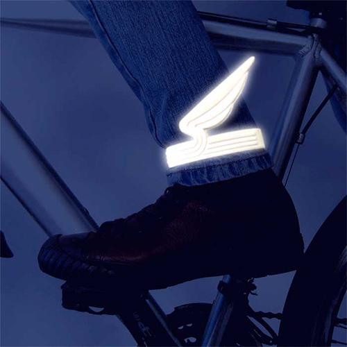 Opaski ze skrzydłami na nogę rowerzysty od Eno Studio