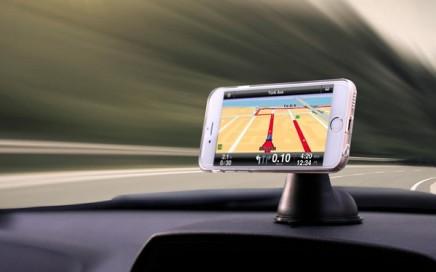 samochodowy uchwyt magnetyczne na telefon