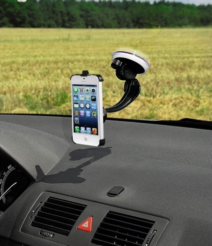 Samochodowy uchwyt montowany na szybie IPhone 5 marki Hama