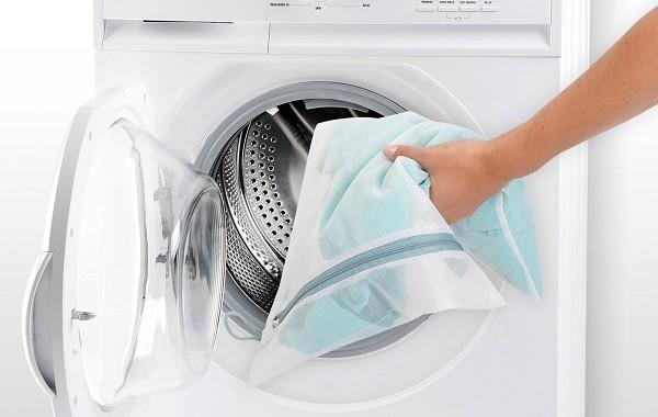 woreczki do prania delikatnych ubrań