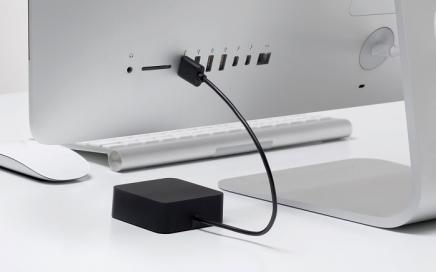 ładowarka do baterii AA zasilana przez USB bluelounge
