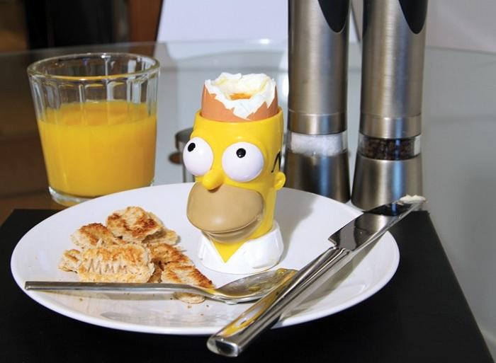 Kieliszek na jajko Homer i wykrawacz do tostów z serialu The Simpsons