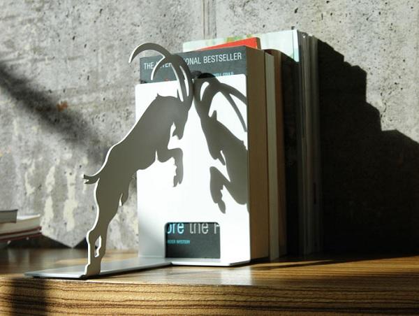 Podpórka do książek koziołek Stubborn Goat marki Pulpo