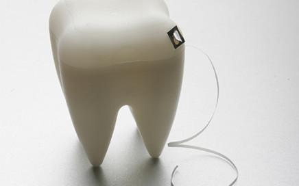 pojemnik na nić dentystyczną ząb Propaganda