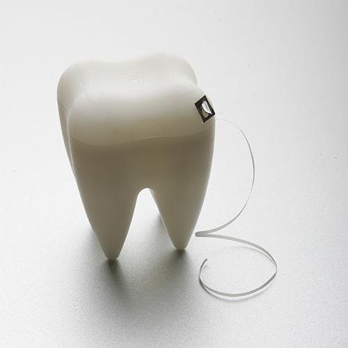 Pudełko na nić dentystyczną ząb z serii Tooth by Propaganda