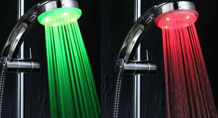 Słuchawka prysznicowa optycznie zmieniająca kolor wody