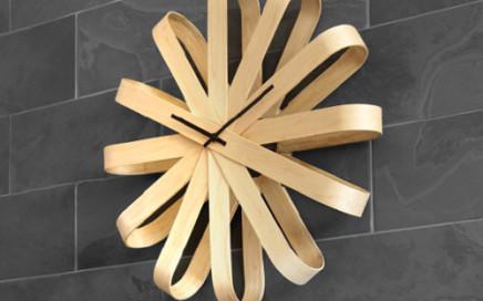zegar drewniany ribbon Umbra