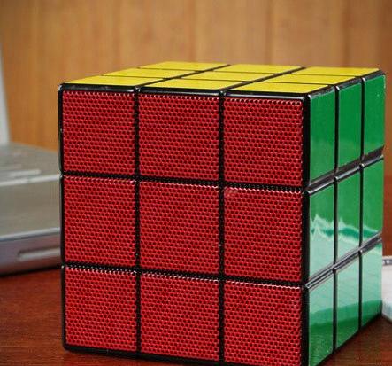 Głośnik w kształcie kostki Rubika