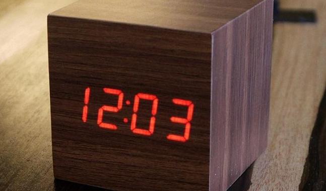 elektroniczny zegar drewniana kostka ginko cube
