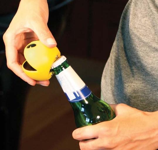 Magnetyczny otwieracz do butelek Pacman marki Paladone