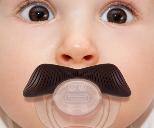 Smoczek dla chłopca wąsy