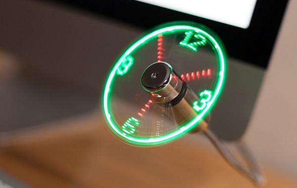 wiatraczek na USB z ledowym zegarem
