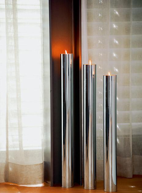 Minimalistyczny stalowy świecznik Base marki Philippi