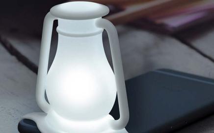 Lampka do latarki w smartfonie oldschool Fred
