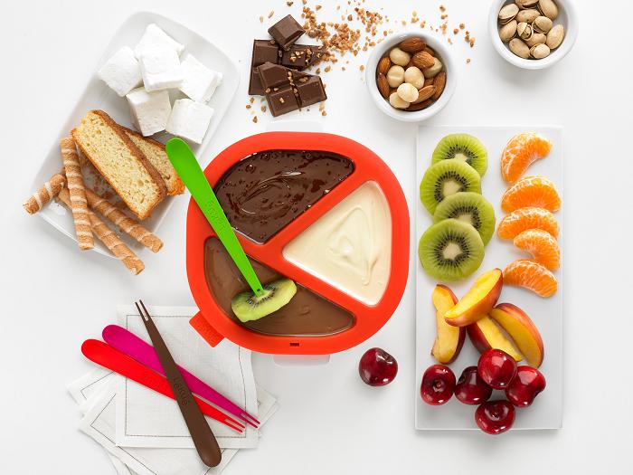 Dzielone naczynie do czekoladowego fondue marki Lekue