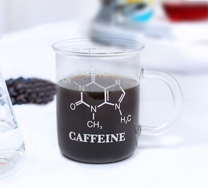 Kubek chemika ze wzorem na kofeinę od ThumbsUp