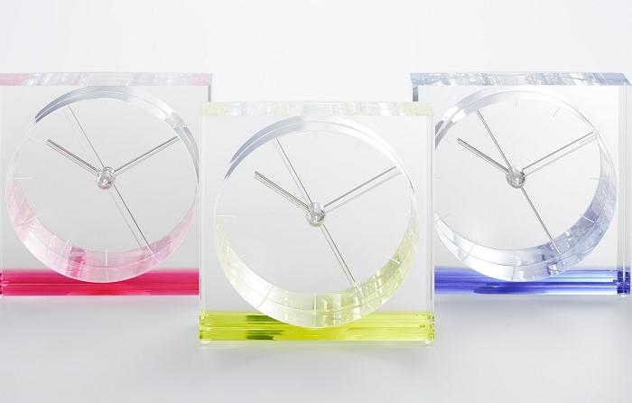 Transparentny zegar stołowy marki Lemnos