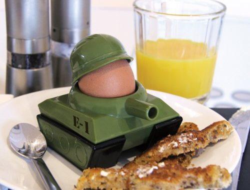 kieliszek do jajek czołg