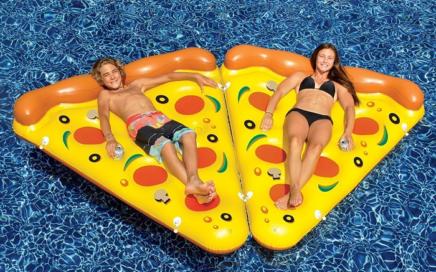 materac dmuchany kawałek pizzy