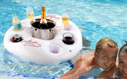 pływająca taca na drinki