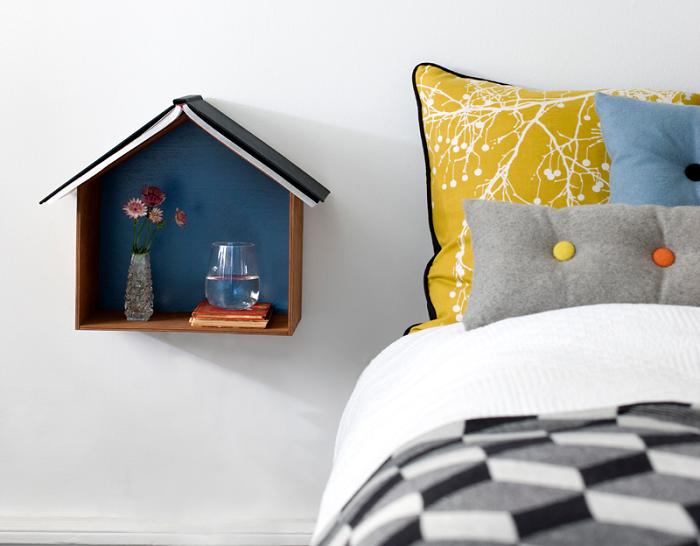 Półka minimalistyczny domek marki Ferm Living