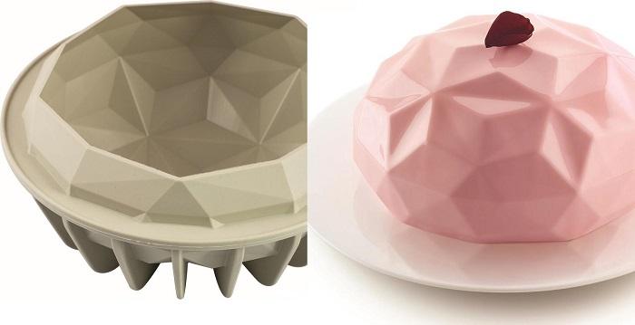 Fikuśne, silikonowe formy do ciasta marki Silikomart
