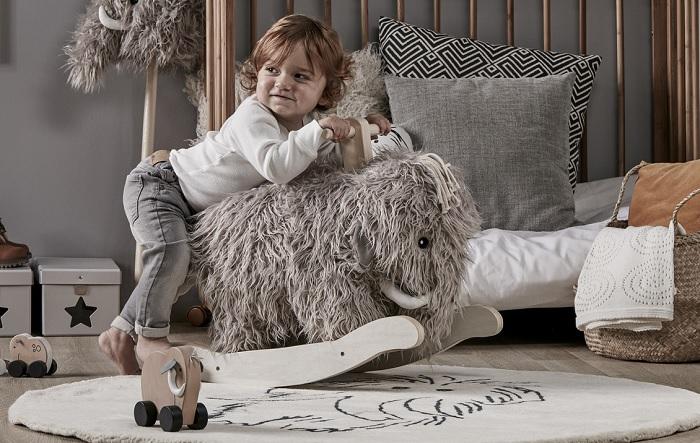 Włochaty mamut na biegunach Neo marki Kids Concept