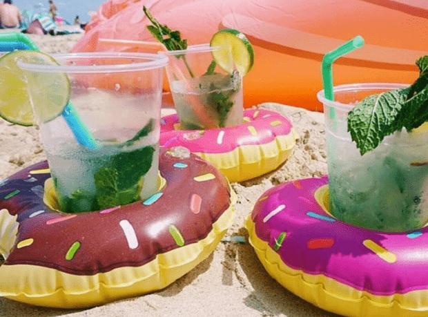 Dmuchana, pływająca podstawka pod drinka donut