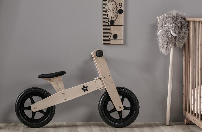 Drewniany rowerek biegowy marki Kids Concept