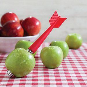 Obieraczka i drylownica do jabłek Strzała od Ototo Design