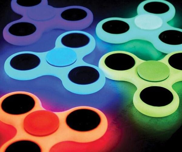 Świecący w ciemności Fidget Spinner Fluo
