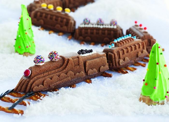 Forma do ciasta pociąg by Nordic Ware