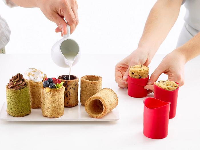 Formy do ciasteczkowych szklanek marki LEKUE
