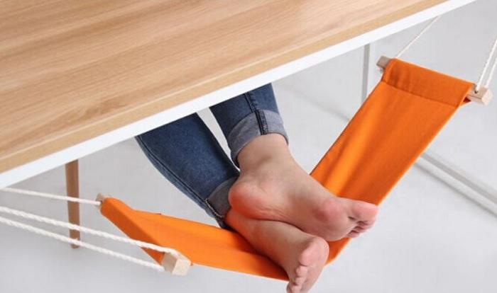 Biurowy hamak na stopy